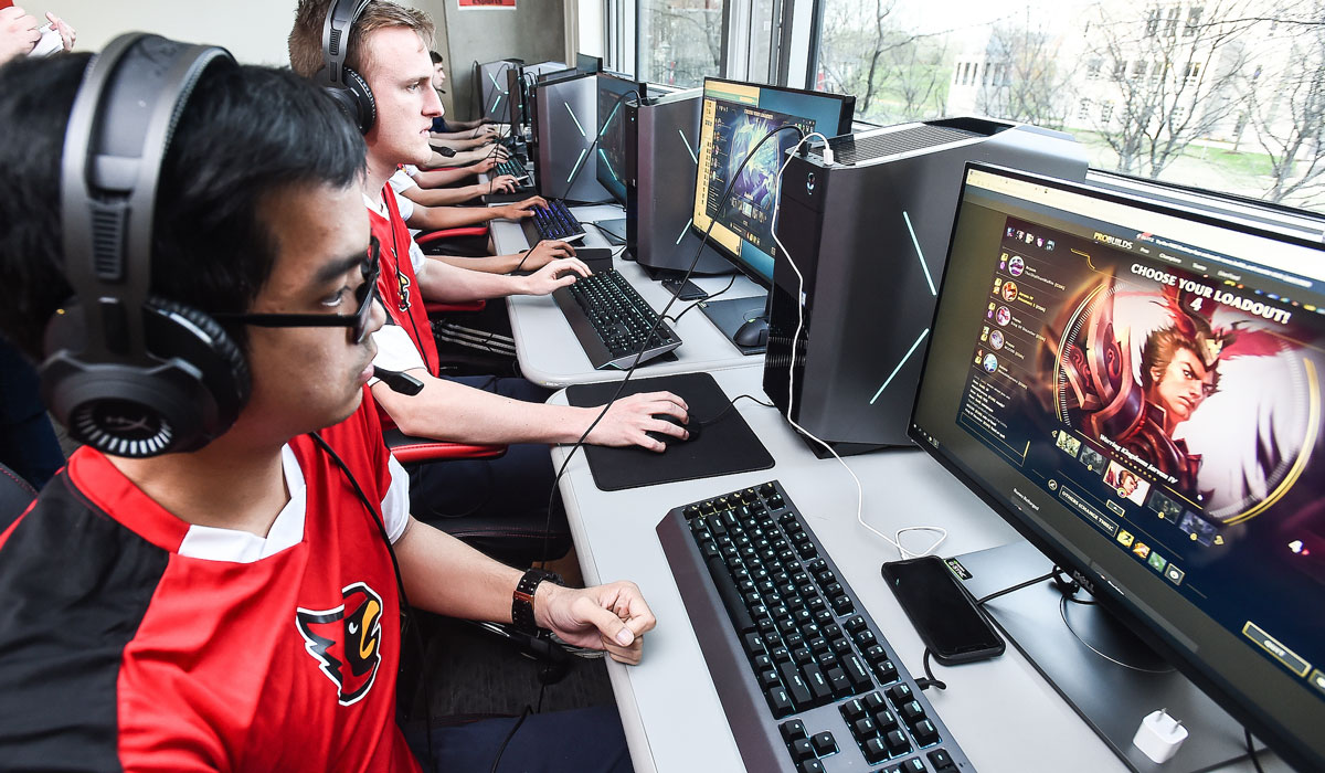 Cardinals Level Up With Esports Team