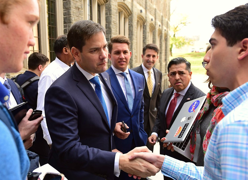 Senator Rubio greeting students