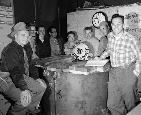 Cowan with coworkers at Los Alamos