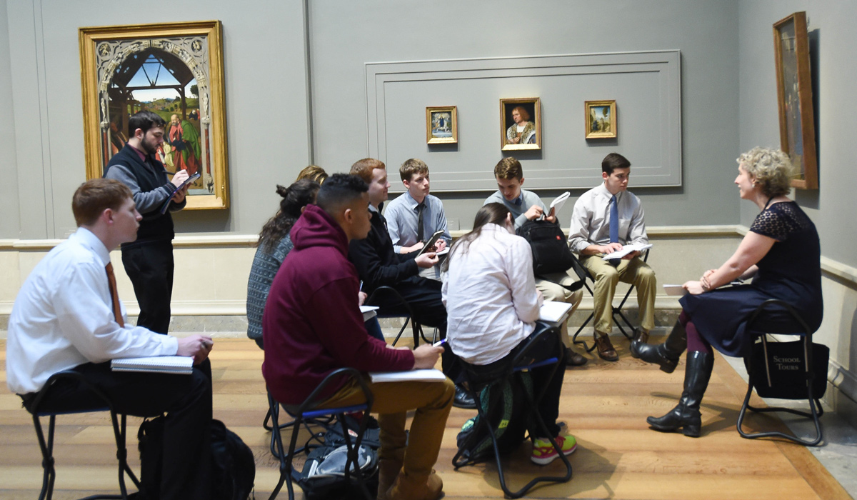 Student class in National Gallery of Art