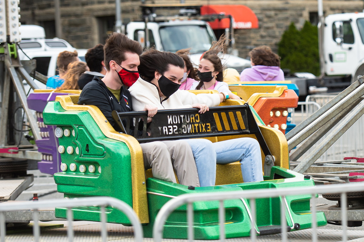 students on ride at Cardnival